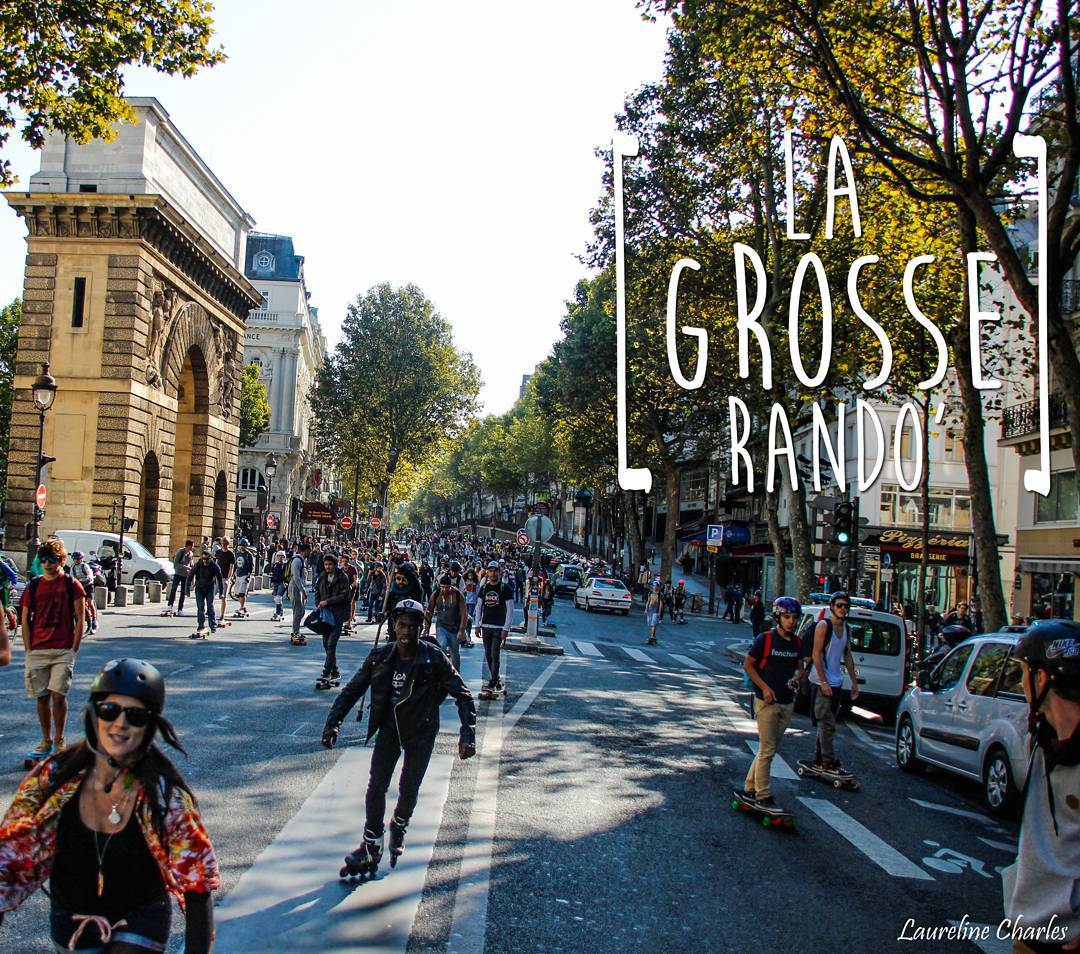 Zombies! Zombies everywhere!!! Actually, no. Its simply 1,000+ skaters storming the streets of Paris in the name of @DockSession event #LaGrosseRando!  Traffic was blocked for hours, there were scraped knees, some one lost their phone, a man...