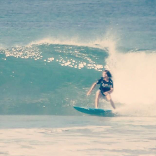 Surfeando una dia de olas chicas en #PuertoEscondido #HitTheWave #SeekTheExperience