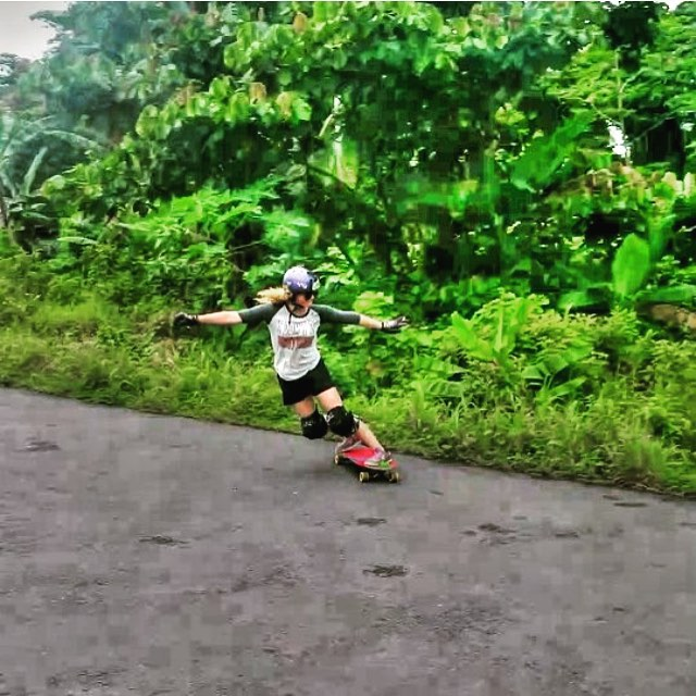 LGC Costa Rica rider @adriluu16 skating in paradise. Crash photo.  #longboardgirlscrew #womensupportingwomen #lgc #costarica #lgccostarica #adrimorales