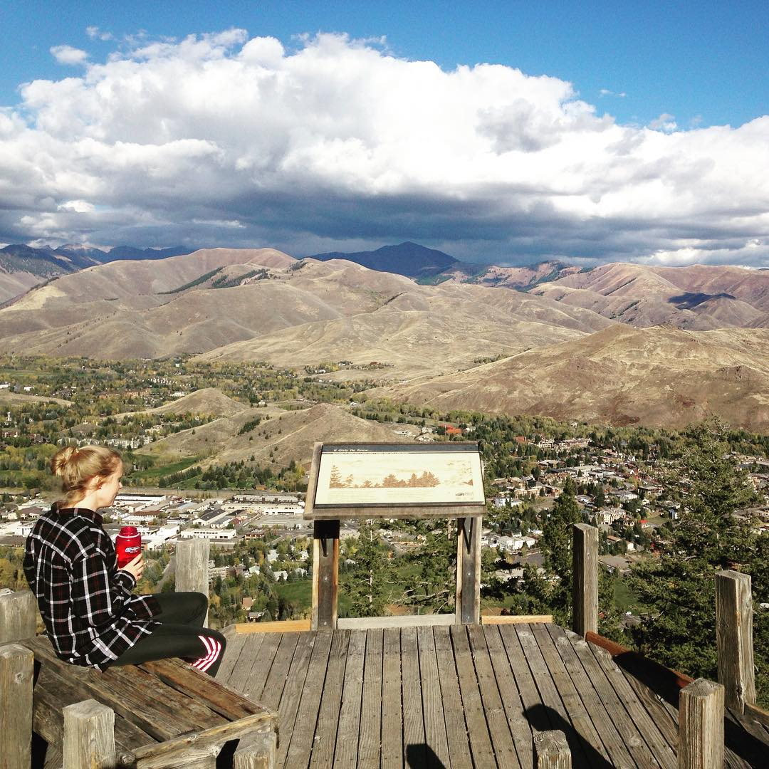 The #view from #lookout on #mtbaldy in #ketchum, #idaho! It will soon be covered in #snow. #sunvalley #seeksunvalley #hiking #mountains #explore #getoutside #nature #adventure #trail #cloudporn