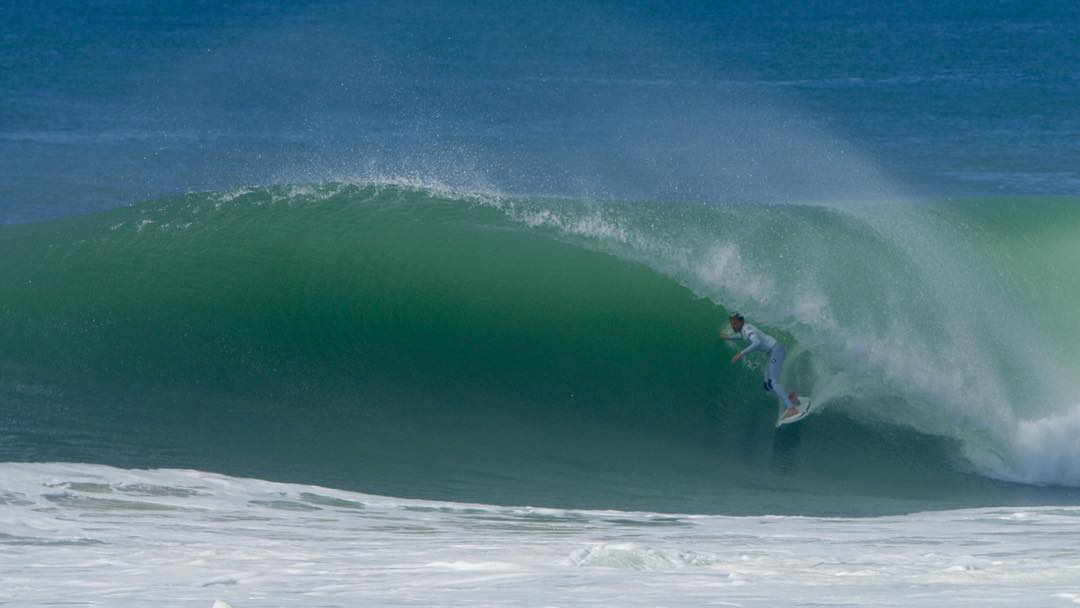France firing for the WCT. @koloheandino22 slotted straight into round 3.