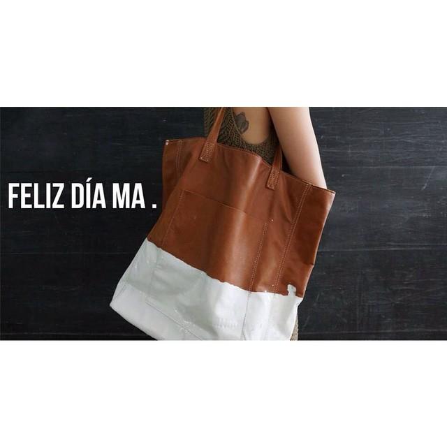 SORTEO día de la madre!  1- Dale Like a @mambobackpacks  2- Nombra a 3 amigos  3- Ya estas participando por un bolso Tote Mancha !! Mucha suerte! ✨✨✨