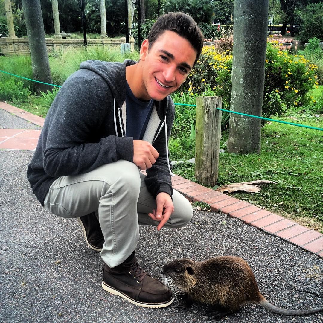This is Roberto. He (she?) is my new beaver/rat friend. #buenosaireszoo