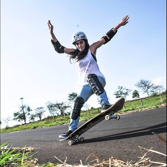 Bom dia do Brasil! @fertabith from #longboardgirlscrew #brasil killing it. Skills & style!
