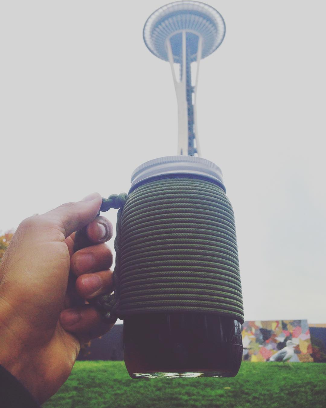 ~ Be Kind Vibes x Khordz ~  City adventuring with the @bekindvibes x @khordzmugs collab Adventure Mug.  Individually hand wrapped with 20ft of paracord in Santa Cruz, CA, featuring a nifty handle to keep your hand free from hot coffee or tea. It's a...