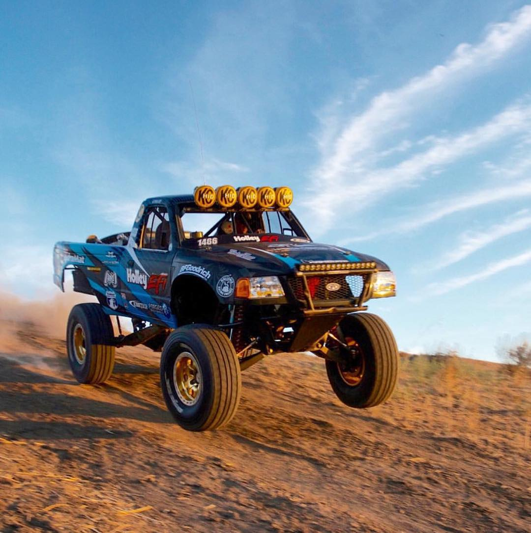 Our man @quendo67 tearing it up in the @kibbetech Race Ranger. Who else is stoked for desert season?