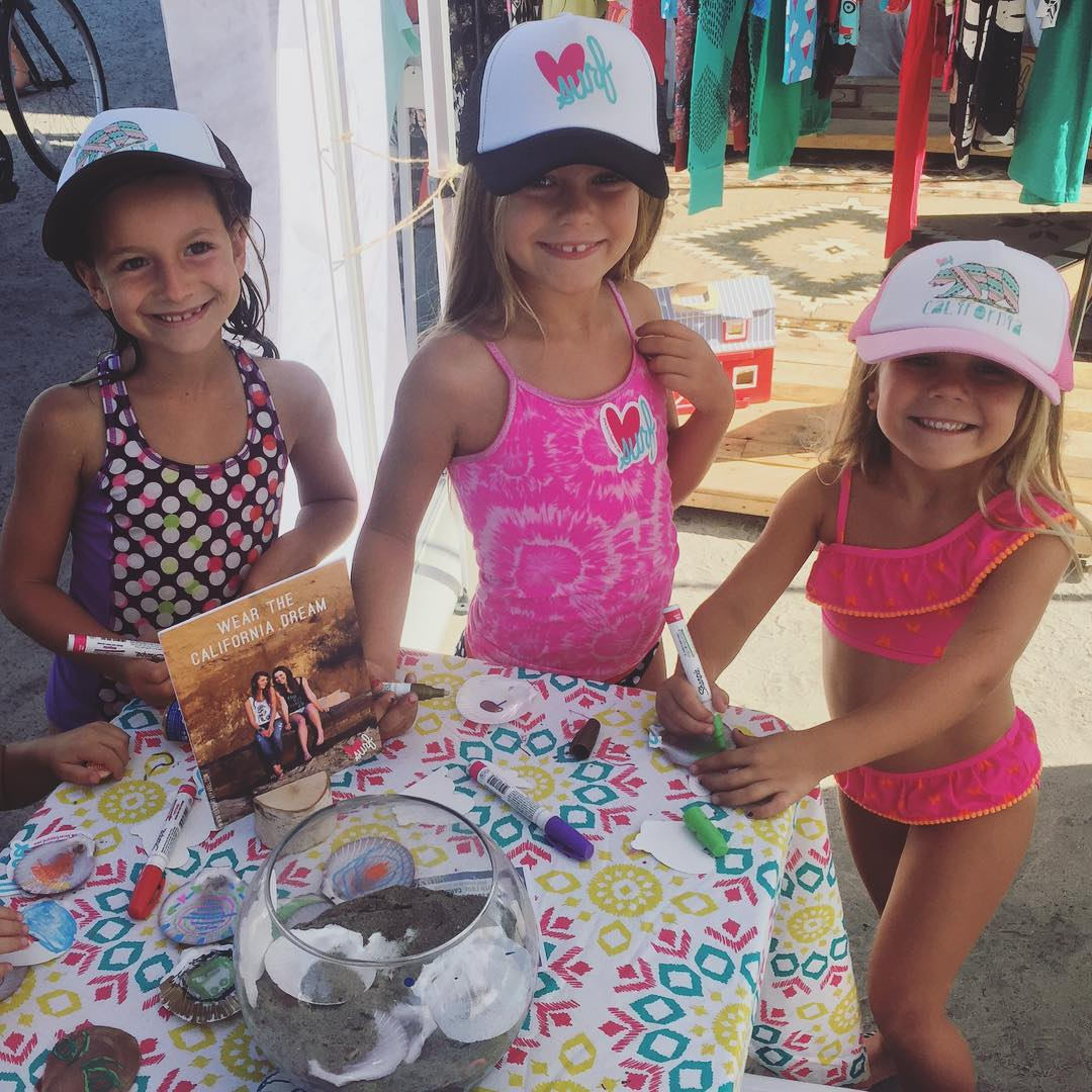 Total Luv Surf Girls #luvsurf #luvsurfgirl #calibear #wearthecalidream #behappy #getcrafty @cardiff101 @robmachadofoundation #cardiff #cardiffsurfclassic #robmachadofoundation