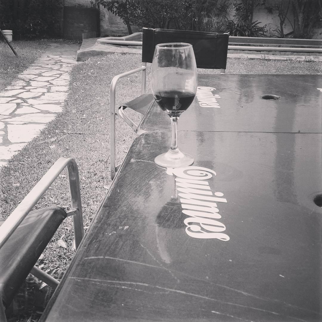Ella es.... La copa de vino que no sabe que paso ayer!!! XD #resaca #after #afterparty #choborra