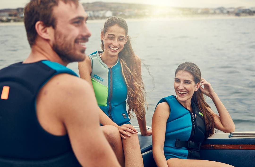 Watersports, friends and hopefully some good weather. This equals a great time on the water and ensures a good weekend, enjoy your weekend!  #Jobemoments #watersports