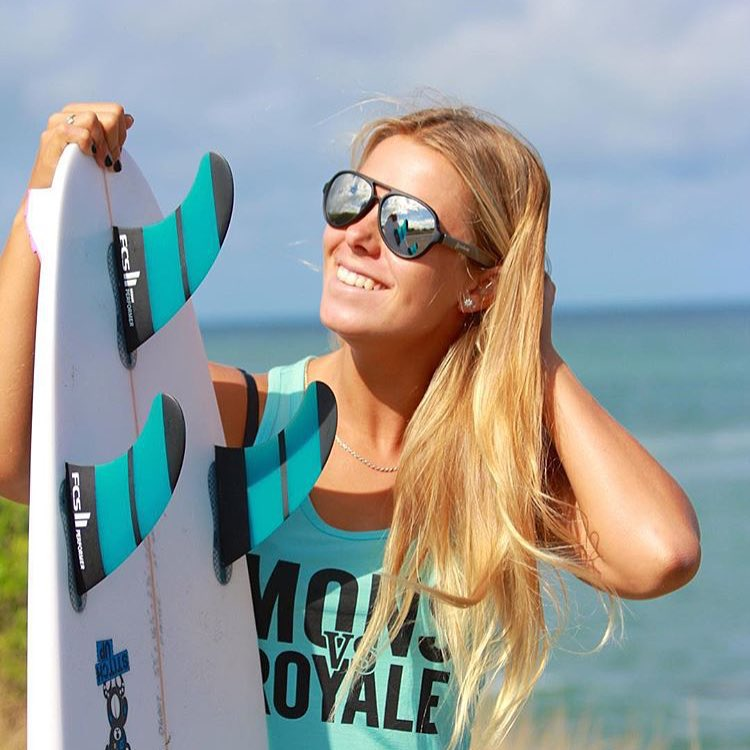 Professional surfer, @paigehareb sporting the Maverick frames. Check out her page for a giveaway. -- Tap the link in our bio to shop!!