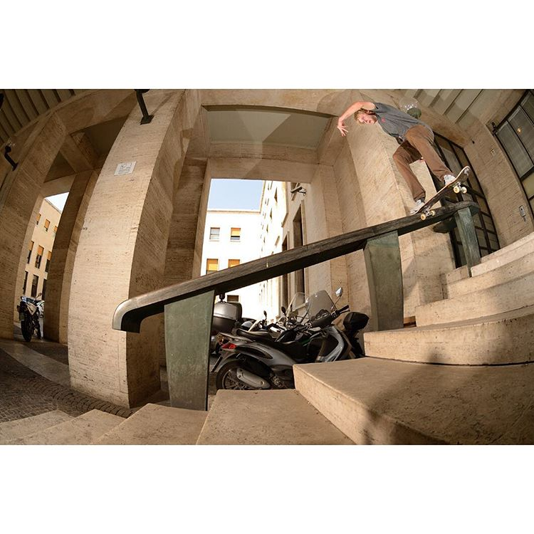 "@MadarsApse tailsliding in Rome, Italy on the ""Special Delivery Tour"". Watch the recap video and see more photos on the Free Skate Mag site. Photo: @gastonfrancisco. #dcshoes #dcspecialdeliverytour"