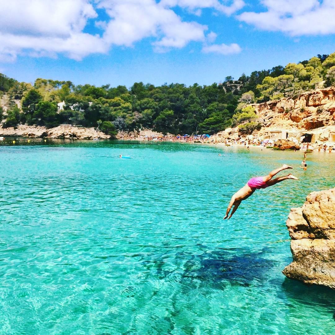 Cuando un @panzapeople te pasa una foto tan pero tan grosa que parece sacada de #google... Ph: @flopittaluga  #ibiza #verano #summer #spain  #diving #sea #ocean