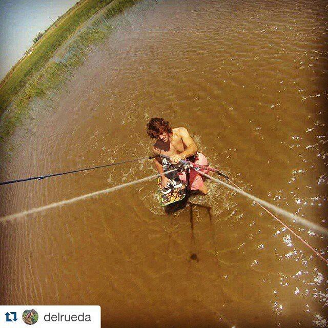 Se viene la temporada de #kite y nos empiezan a llegar las primeras placas #metiendopanza  #gopro #kitesurf #summer #verano