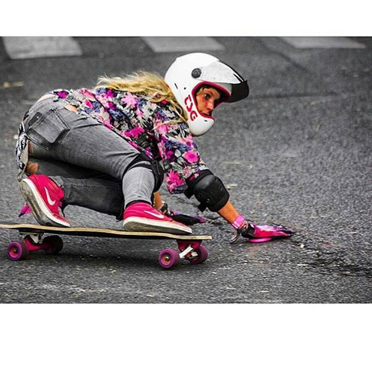 We LOVE lady rippers!!!! @noyelongboard looking all pink like her #bubblegum's while blastin a two hands backside to #keepitholesom