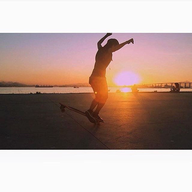 LGC Brasil rider @sarawfc in the golden hour. Photo cred?  #longboardgirlscrew #womensupportingwomen #lgc #brasil #brazil #lgcbrasil