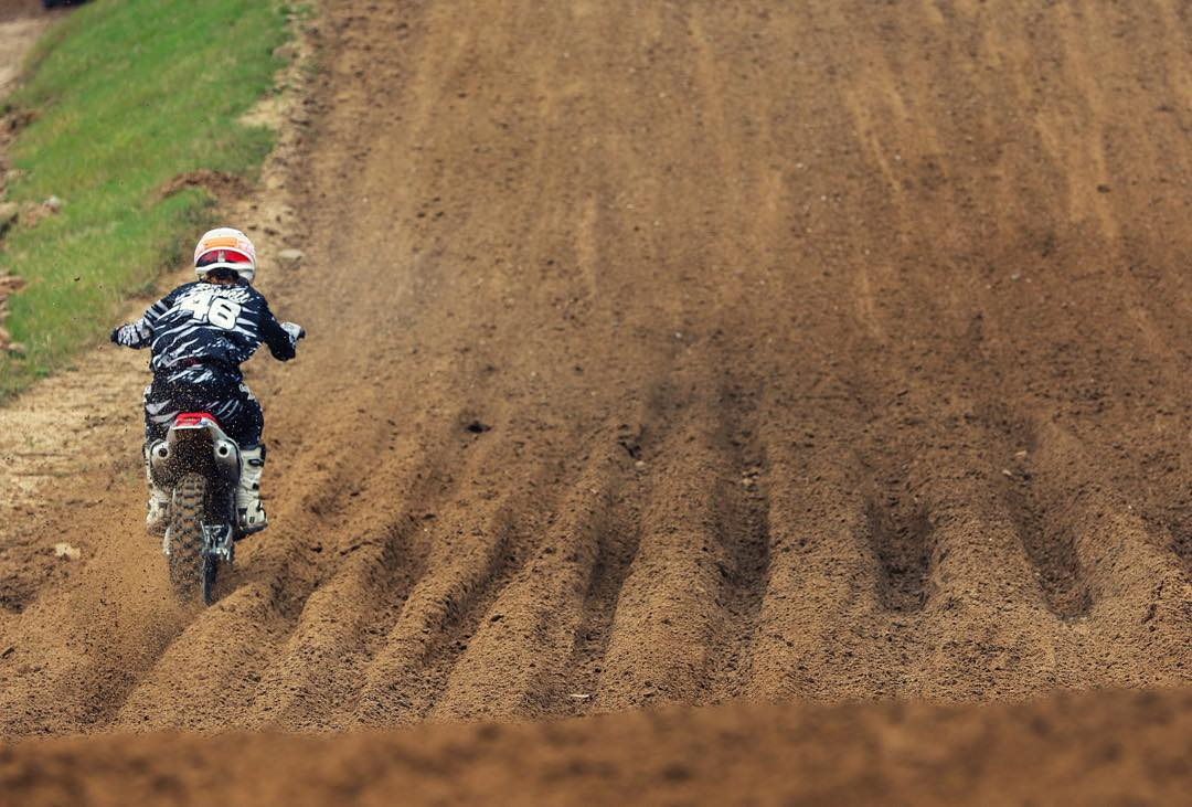 @whatthefett navigating through rut city at reddick! #ruts #wolfmx #moto #motocross #learn #lookahead #atifamily
