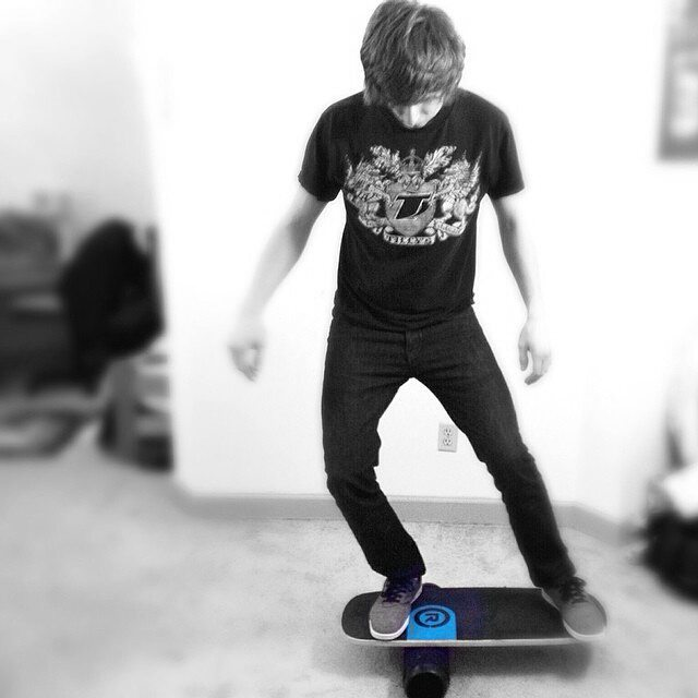 Afternoon apartment balance session anyone?! #revbalance #findyourbalance #balanceboards #madeinusa