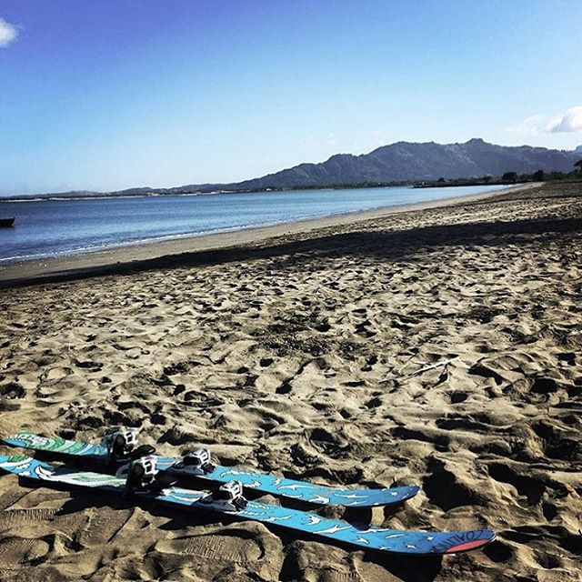 @spacemegls took her sticks to #fiji  in search of the secret stash...who's ready?  #sisterhoodofshred #skiing #earnyourturns #winteriscoming