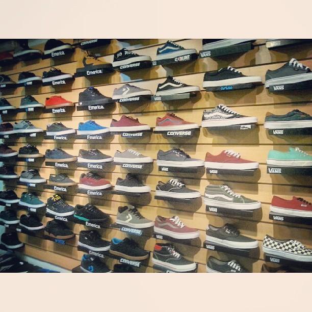 las mejores marcas de #skateshoes #vans #emerica #nikesb #BluntFootwear #eSfootwear #converse