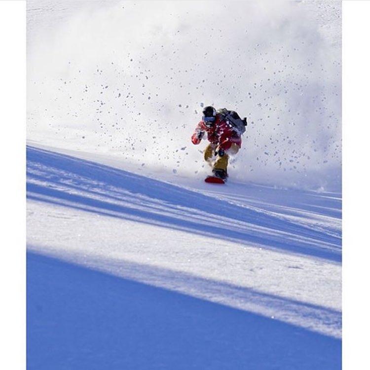 #AV7Renegade @camfitzpatrick blasting through the whiteroom at @jacksonhole. #Winteriscoming soon! PC: @bengirardi  #avalon7 #liveactivated #snowboarding www.wearealladventurers.com