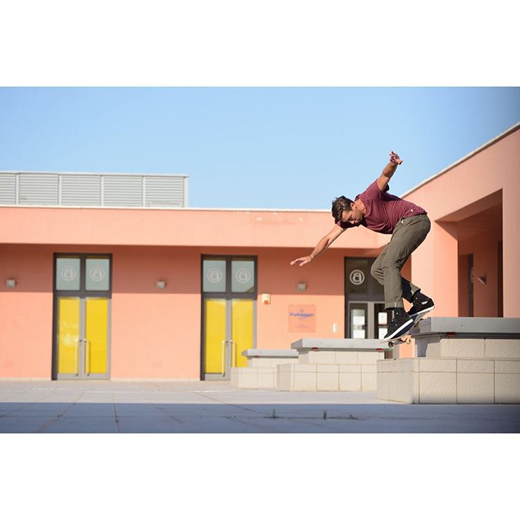 @mikeytaylor1 with timeless style on this backside smith grind in Ancona, Italy.  Photo: @gastonfrancisco #dcshoes