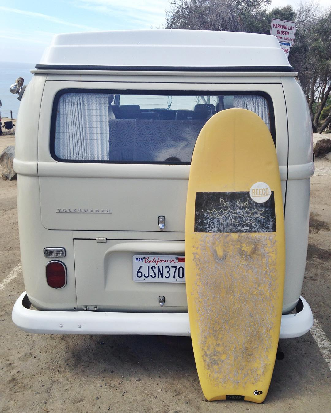 ~ Be Kind to the Sea ~  Conscious adventures cruising with Woodstock and our upcycled magic shred sled, made by our good mates @reecosurfboards. -------------------------------------------