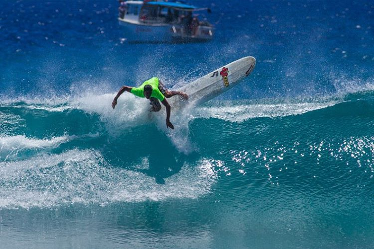 Mark your calendars! We'll be running the last leg of the Hawaii Surfing Championship at Sandy Beach on October 25! Here's Team Rider @nelsonahina_3rd shredding during last year's contest at Sandys when the conditions were epic! If you would like to...