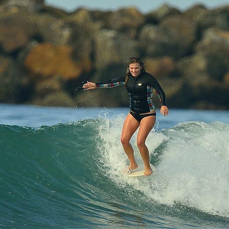 #akelasurf  Rider Kaitlin Maguire @kaitlin_maguire  #ladyslider #surfswimwear #surf #fashion #california
