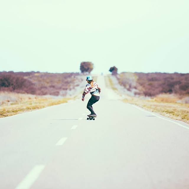 Weekend inspiration! Our good friend @aggyferrari skating Argentinean roads.  @elniniocamo photo.  #longboardgirlscrew #lgc #womensupportingwomen #skatelikeagirl #lgcargentina #aggyferrari #argentina