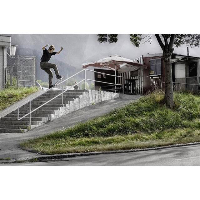 @_julian_davidson >>> front blunt, Innsbruck, Austria >>> photo by @oliverbarton #juliandavidson