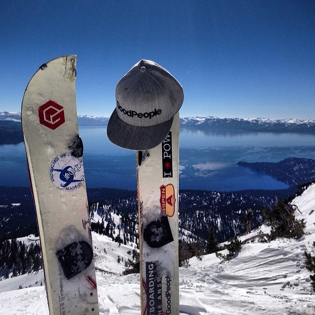 Throwing it back to the weekend // @mcelberts #DIY #splitboard held up in the #backcountry quite nicely getting him to the top so he could enjoy this spectacular view of #laketahoe #tbt #throwbackthursday #snowboarding #earnyourturns #exploremore