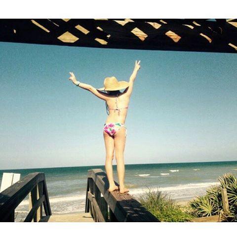 BEACH // PLEASE #takemethere #beach #luvsurf #wearthecalidream #seekthesea #luvsurfgirl @salty.hhair
