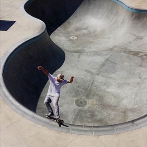 Kyle Berard (@kyleberard) frontside feeble at the lost bowl.