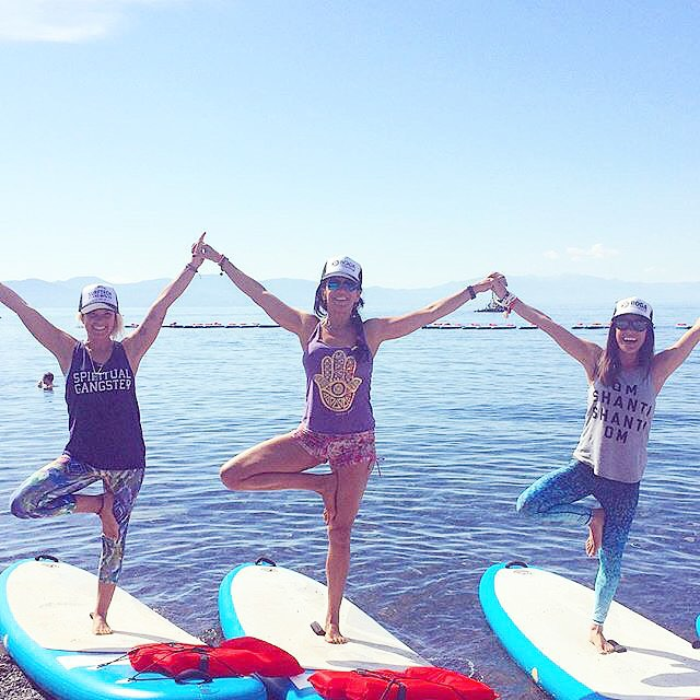 WEEKEND VIBES #sup #fun #friends #supleggings #laketahoe #OKIINO #printleggings #spf #girlgetoutside #repost #supyoga with @yogaqua @padma_yogamama @laceycalvertshelton @bogayoga @spiritualgangster