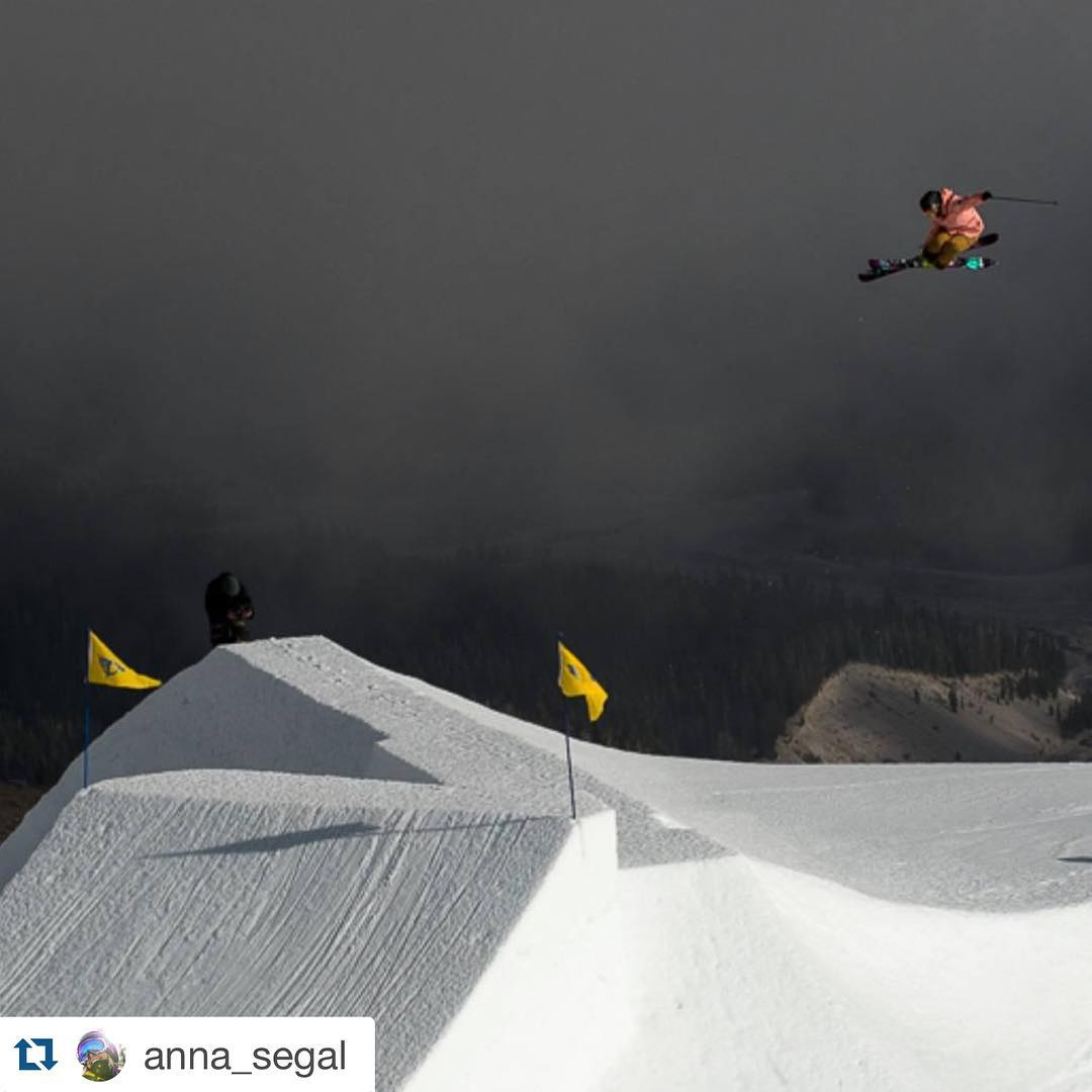 Determination / Inspiration. Repost from @anna_segal ・・・ Landing this jump hurt a lot. I found out a few days later that I had a compression fracture in my back. Stoked I got a decent shot! @k2skialliance @k2_skis @dakine_ski @bolle_eyewear @xshelmets...