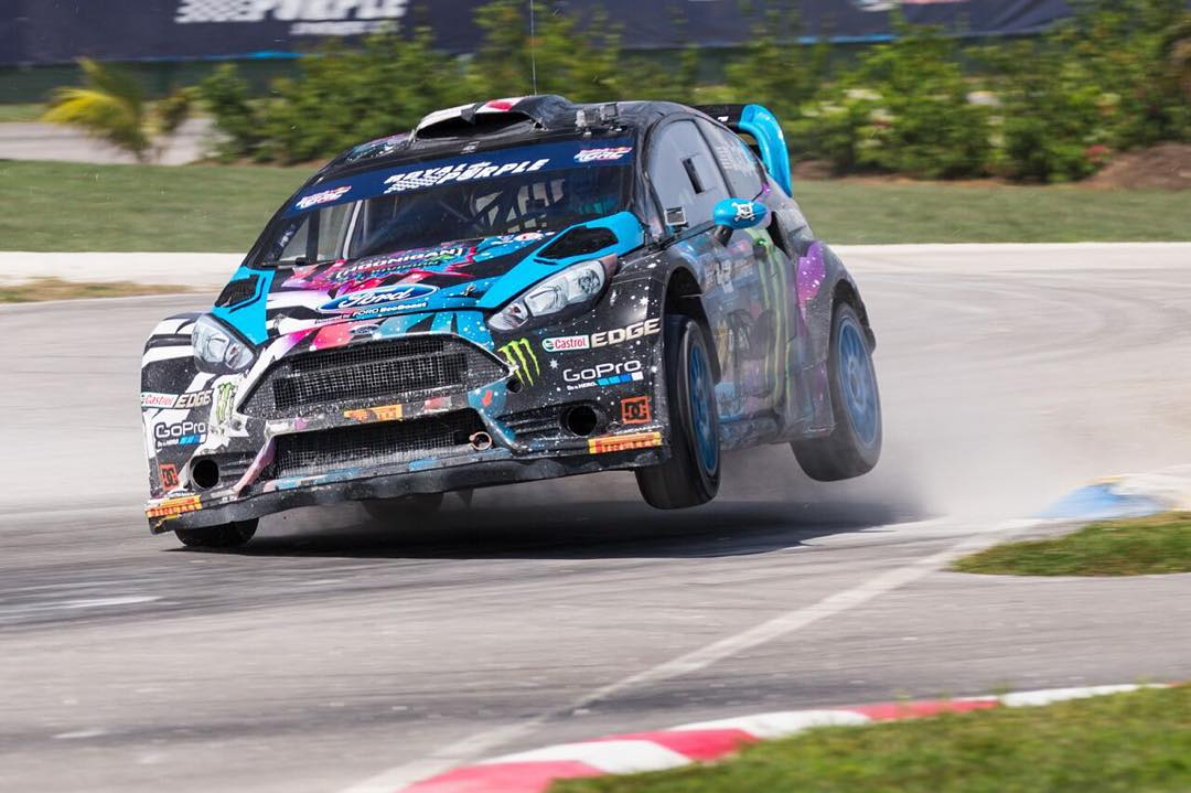 When @kblock43 clips an apex, he shows that curbing who's boss.