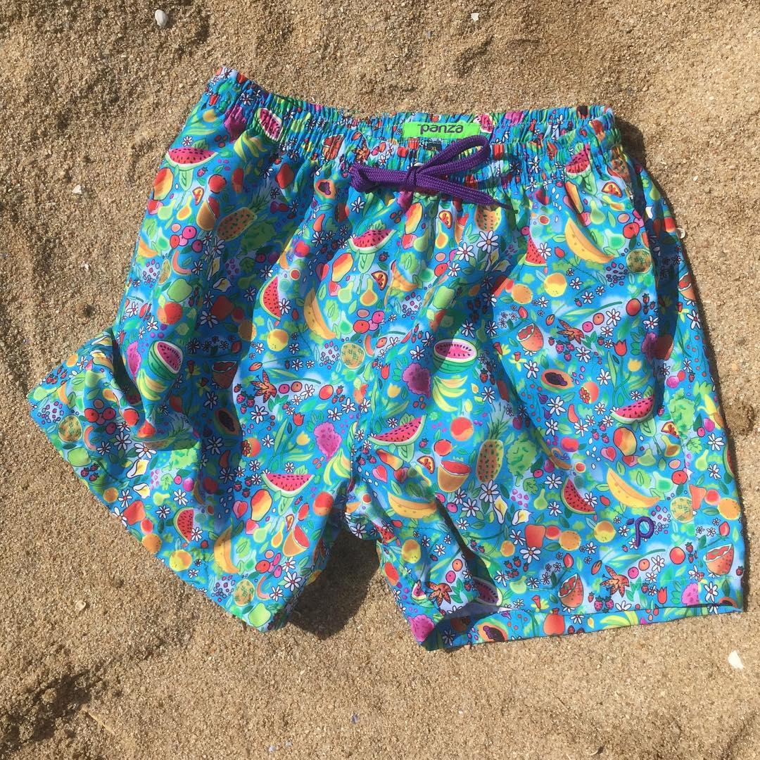 Hoy:  Panza Classic #tuttifrutti  encontralo en el boliche online en www.panzapeople.com  o en nuestros locales amigos  GARPA TENER PANZA  #verano #summer #beach #beachlife #swimtrunks #beachwear #playa #men #print  #solid #swimwear #trajesdebaño ...