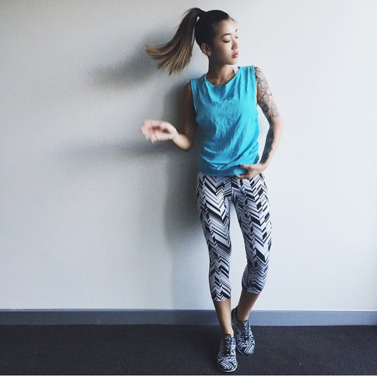 Our favorite Aussie blogger, @msbbanks showing us how to hit the gym in #style. #aLifeWithoutLaces #outfitinspo