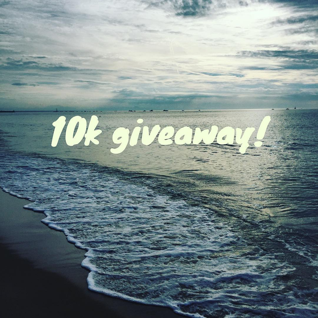 The celebration of hitting 10k followers continues! Tag a friend before tomorrow to enter to win a prize pack! #thankyou #contest #sensibikinis