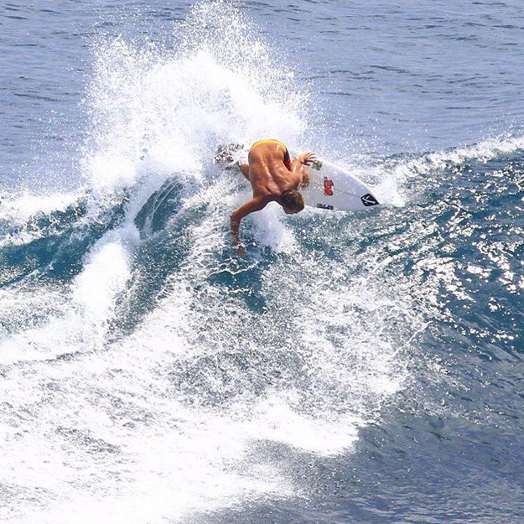 Wardo banging Bali backside.