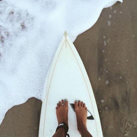 NOES // GOES #luvsurf #wearthecalidream #surf #shesurfs #beach #noesgoes