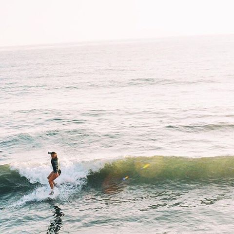 when nothing seems to be going right, take a left #luvsurf #luvsurfgirl #wearthecalidream @olivia.doan #left #right #surf