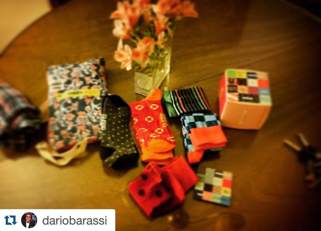 El genio de @dariobarassi ya es fan, vos qué esperás?? ・・・ Feliz c el terrible regalo de @tiendasuarez me hice fan de inmediato