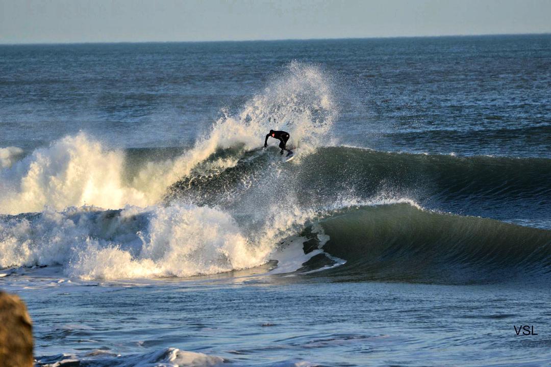 Mariano Persello.  La Esco. Necochea, #Argentina -  Ph: VSL  #surf #surfing #surflife #gotcha #iconsneverdie