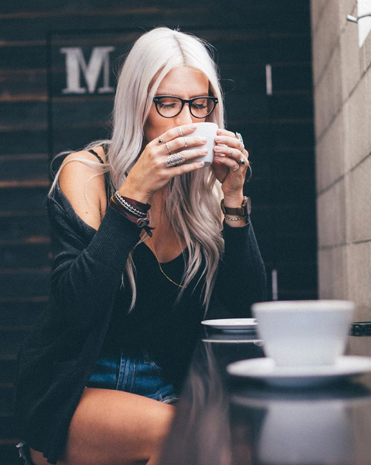Coffee shop vibes featuring The Lunar Find @skyelarcade's full #ProofFrontierProject online now
