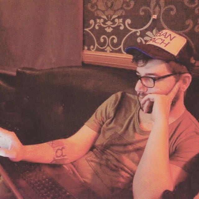 Gonza con Trucker + reme @urban_roach !!! #umplugged #trucker #style #cool #look #lookoftheday #music #punk #cap