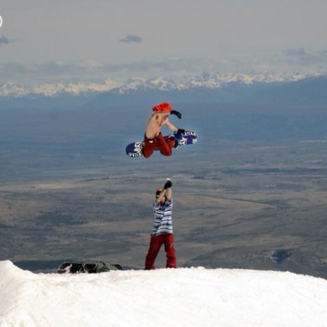 Bienvenido Tomi Materi a Instagram! @tomimateri follow him!!! #volcomfamily #volcom #snowboarding #Tomimateri