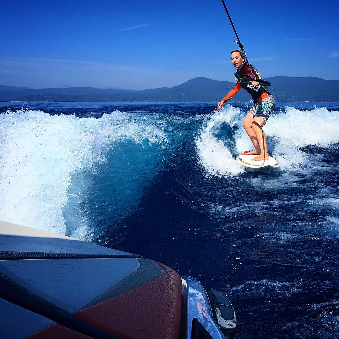 #Daydreaming about endless knee to waist high glassy walls of @centurionboats goodness on #LakeTahoe this past summer w/ #FamLee!! #teamcenturionboats | #fs44 | @shawnakorgan | @theduncan775 | @mellee07 | @inlandsurfer | #LifeGuardLouie |...