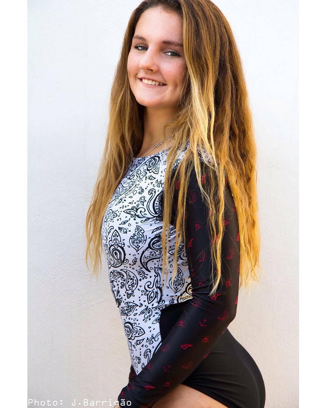 #AkelaSurf Ambassador @kat.barrigao One piece Paisley #fashion #surfswimwear #ladyslider #surf #activegirl #portugal