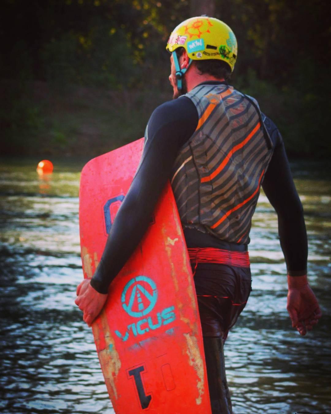 Al agua!  #wakeskate #wakeboard #wakeboarding #wakelife